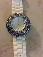 QMX WOMENS WHITE SILICON WATCH BEAUTIFUL MULTI-COLORED CRYSTAL WHITE ROUND DIAL!