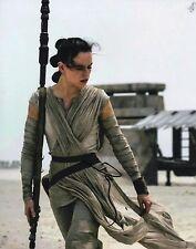 Daisy Ridley Signed STAR WARS THE FORCE AWAKENS 10X8 Photo Rey AFTAL COA (7201)