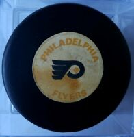 PHILADELPHIA FLYERS VINTAGE NHL APPROVED VICEROY MFG. OFFICIAL GAME PUCK RARE