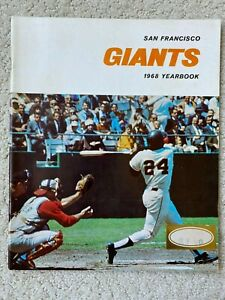 SAN FRANCISCO GIANTS YEARBOOK 1968 Willie Mays, Willie McCovey, Juan Marichal,