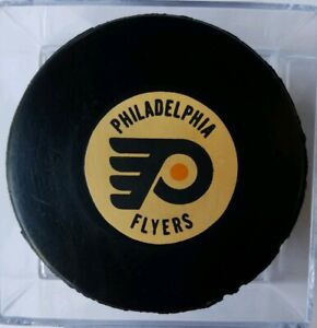 RAREST! PHILADELPHIA FLYERS VINTAGE NHL APPROVED VICEROY MFG. OFFICIAL GAME PUCK