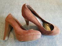 New Look size 4 (37) tan brown faux suede platform block heel court shoes