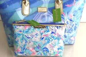 New Lilly Pulitzer BREEZY POOL TOTE + POUCH Bennet Blue Celestial Seas PVC Bag .