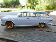 Modèle Original DINKY TOYS FIAT 1800 familiale RÉF 548