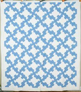 BEAUTIFUL Vintage 30's Blue & White Drunkard's Path Antique Quilt ~GREAT DESIGN!