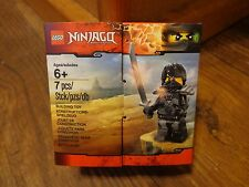 2016 LEGO--NINJAGO FIGURE BOX SET (NEW)