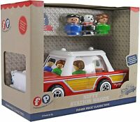 Fisher Price Classic Nifty Station Wagon NEW IN BOX WITH LITTLE PEOPLE