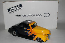 Danbury Mint 1940 Ford Hot Rod Deluxe Coupe 1:24 Scale Die Cast Model