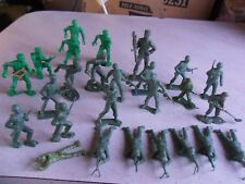 "Lot of 25 Vintage Plastic Toy Army Soldiers Men Mpc & Other 2"" Tall"