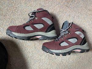Unisex Waterproof Hi Tec Boots Size 2 New