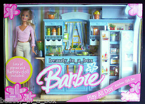 Play All Day Kitchen Gift Set Barbie Doll House Happy Family Playset NRFB