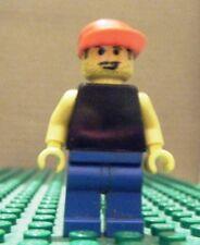 LEGO MINIFIGURE – SPORTS – SOCCER FAN – BLACK TORSO, RED CAP – USED