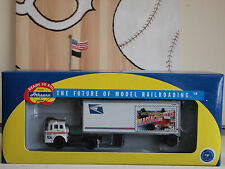 """ATHEARN  READY-TO-ROLL USPS """"MASSACHUSETTS"""" FORD """"C""""& SMOOTH 28ft. WEDGE TRAILER"""