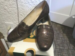 Spring Step Fawn Brown Embossed Leather Womens Shoe Size 8.5M