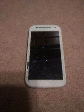 Motorola MOTO E2 - 8GB - White (Boost Mobile/Sprint) CDMA - Cracked Screen