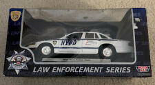Motor Max NYPD Ford Crown Vic Police Car 1:24 (76400)