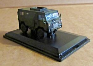 OXFORD DIECAST LAND ROVER FC SIGNALS GREEN CAMOUFLAGE 1:76 SCALE BRITISH ARMY