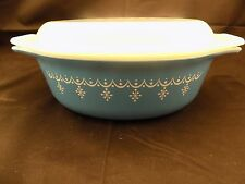 Pyrex Snowflake Blue 1 1/2 Qt Casserole Dish with Lid Garland Blue White