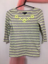 Lovely Girls Gap Grey Neon Jewelled Detail Striped Top 8-9yrs ⭐️⭐️⭐️