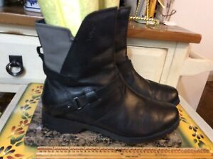 Teva Women's  Black Leather  zip up Ankle Boots Size 38.5 US-7  #1005938