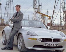 Pierce Brosnan UNSIGNED photo - B390 - James Bond