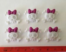 White skulls with bows Novelty Buttons by Dress It Up Jesse James buttons 5787