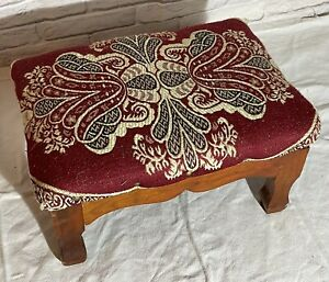 SMALL VINTAGE FOOTSTOOL FOOT REST RED FABRIC PADDED TOP WOODEN LEGS