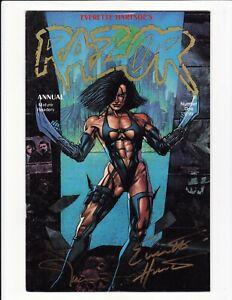 Razor Annual #1 Gold Edition 1st SHI Everette Hartsoe Signed London Night COA
