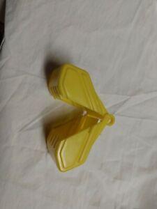 Plastic Tinker Toys Part: YELLOW SCOOP BUCKET Replacement Piece Wooden Jumbo Set