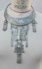 COLLIER TORQUE CHINE MIAO CHINESE HMONG MIAO NECKLACE argenté métal papillon