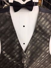 Mens Claiborne 2.0 tuxedo vest/bow tie set Campagne/Black 2XL