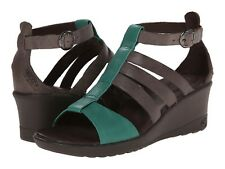 KEEN  $110 CASCADE BROWN LEATHER VICTORIA  SANDALS  9.5