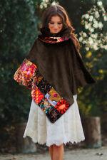 Mantella in velluto marrone con banda patchwork