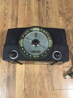 Vintage Zenith Radio AM/FM , model 7G01 Chassis Brown