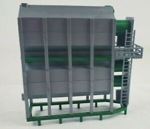 1/64 Standi Green Double Grain Dryer custom train display