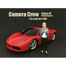 """CAMERA CREW FIGURE IV """"PRETTY REPORTER"""" 1:24 BY AMERICAN DIORAMA 77480"""