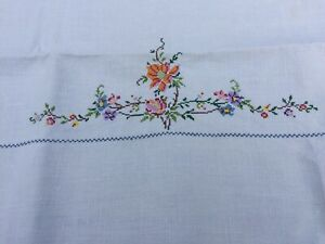 Hand Embroidered Vintage LINEN TABLECLOTH Vintage