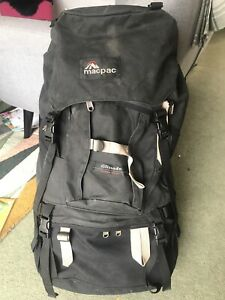Macpac Glissade large expedition Rucksack Backpack Size 2 Black GC 75L litres