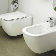Sanitari Sospesi Ideal Standard AquaBlade  Tesi wc, bidet e sedile slim con sedi