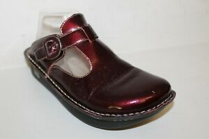 Alegria Comfort Shoes Sz 9.5-10 US / 40 Clogs Brilliant Burgundy Patent Leather