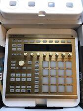 Native Instruments Maschine MK2 GC Edition HW - Gold - NO SOFTWARE