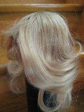 1 Echthaarperücke Kopfumfang ca. 25 - 26 cm langes Haar hellbraun