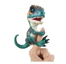 Fury WowWee Fingerlings Untamed Raptor Dinosaur Fingerling Nib