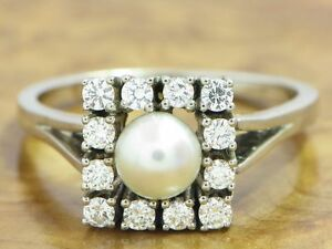 14kt 585 White Gold Ring With Akoya - Pearl & 0,60ct Brilliant Trim/ 6,6g/ Rg
