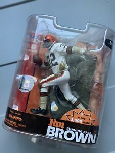 NFL JIM BROWN - HALL OF FAME EXCLUSIVE MCFARLANE, 1 OF 3000, CLEVELAND BROWNS