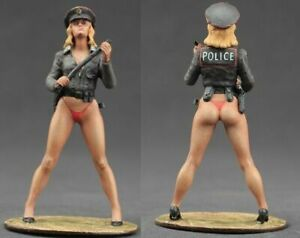 tin toy soldiers  painted Pegaso Girl 80mm Police girl