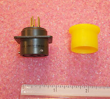 QTY (1) 851-02E14-5SY5016 SOURIAU 5 POSITION SQUARE FLANGED CONNECTOR