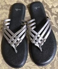 Sanuk Yoga SALTY Metallic Gray/ Black Flip Flops Sandals Women Sz 8 M