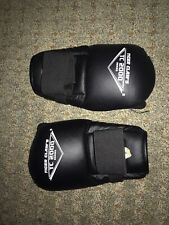 Tiger Claw's Sparring Gloves - TC 2000 Series BLACK ADULT Medium MMA grappling