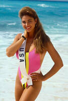Miss Usa Gretchen Polhemus Poses On The Beach 1989 OLD PHOTO